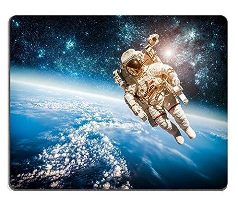 MSD Naturkautschuk Mousepad Bild-ID: 35122778Astronaut im Weltall vor dem Hintergrund der Planet Earth Elements Of dieses Bild eingerichtet von der NASA 2530