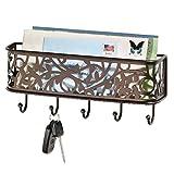mDesign Guardallaves con cesta metálica – Versátil llavero de pared en metal para el recibidor, la cocina o la oficina – Bonito colgador de llaves con bandeja para cartas, móviles, etc. – bronce