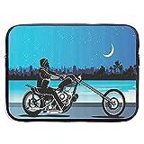 15inch Motociclista Chopper in sella a una bicicletta sotto il cielo notturno stellato