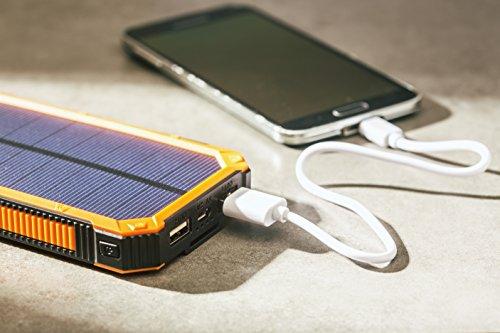 opul solar powerbank mit aufladung ueber solarpanels