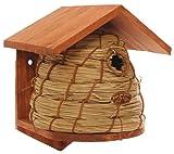 Joli nichoir tressé pour petits oiseaux du jardin