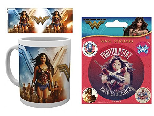 Set: Wonder Woman, Group Foto-Tasse Kaffeetasse (9x8 cm) Inklusive 1 Wonder Woman Poster-Sticker Tattoo Aufkleber (12x10 cm)