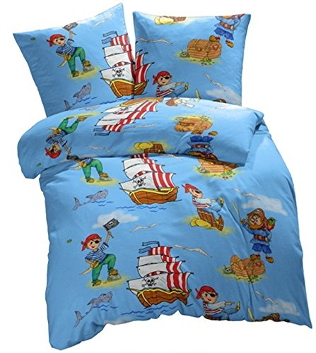 Aminata Kids - Bettwäsche Kinder 135x200 cm Baumwolle Pirat Reißverschluss blau Piratenmotiv Piraten RV hellblau Piratenschiff Schatzinsel Seeräuber Piratenflagge