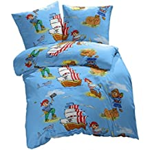Aminata Kids - Bettwäsche Kinder 135x200 cm Baumwolle Pirat Reißverschluss blau Piratenmotiv Piraten RV hellblau Piratenschiff Schatzinsel Seeräuber Piratenflagge
