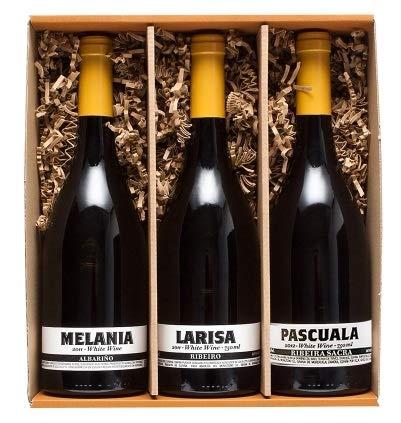 Petra Mora - Cesta de regalo gourmet: Vinos blancos gallegos