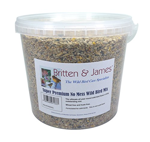 Britten & James All in One Super Premium senza pasticcio Wild Bird Food in una vasca richiudibile da 5 litri. Questo è l'ultimo alimento per uccelli selvatici tutto l'anno, un mix davvero eccezionale.