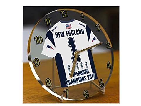 NEW ENGLAND PATRIOTS NFL - SUPERBOWL 51 CHAMPIONS COMMEMORATIVE DESK/SHELF/TABLE CLOCK - WORLD CHAMPIONS 2017