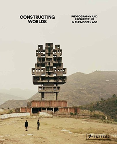 Constructing Worlds: Photography and Architecture in the Modern Age by Alona Pardo (2014-11-12) par Alona Pardo;Elias Redstone