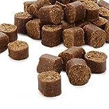 CANIBIT - cookies struzzo e cervo Snack mix di CANIBIT a base di struzzo e cervo, bocconcini da somministrare come spuntino, senza frumento, poveri di grassi e colesterolo, lunghi ca. 2 - 3 cm, ideali fuori casa e per l'addestramento.