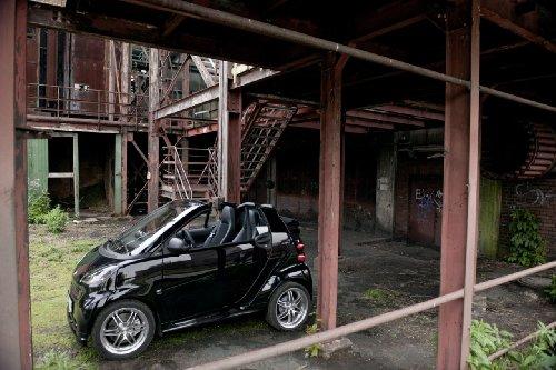 classique-et-muscle-car-ads-et-art-de-voiture-smart-fortwo-brabus-cabrio-2010-voiture-art-poster-imp