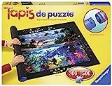 Idéal pour ranger un puzzle en construction. Rouler le tapis et dérouler pour retrouver le puzzle en son état.. Tapis pour puzzle de 300 à 1500 pièces.. Dès 6 ans