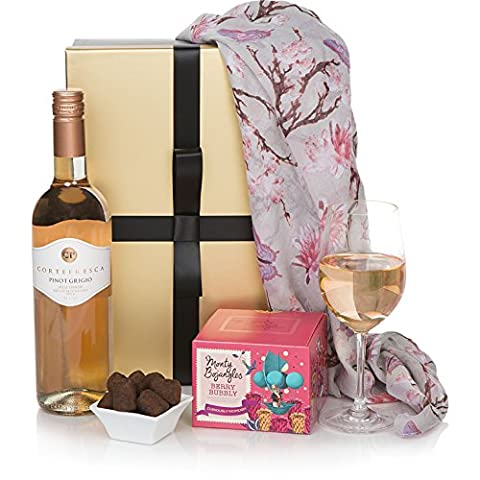 Ladies Delight Hamper Gift Set - Luxury Hampers For Her - Rose Wine & Chocolates Gift Hamper