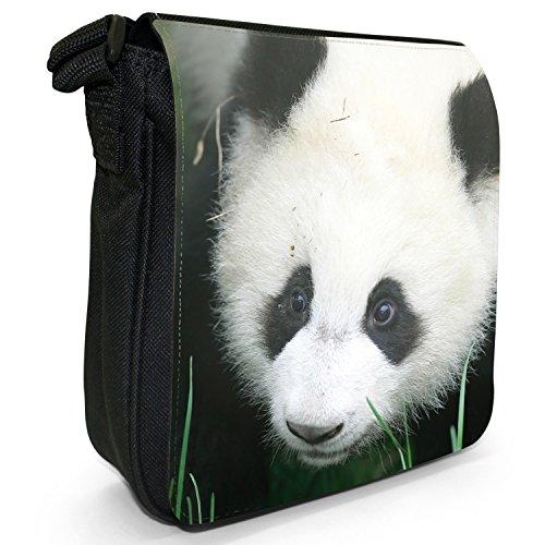 Pandabären Kleine Schultertasche aus schwarzem Canvas Panda sieht traurig aus