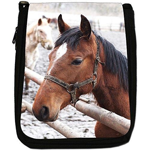 Elegante cavallo marrone medio nero borsa in tela, taglia M Brown Horse Portrait In Snow