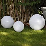 Kugelleuchten 3er SET, Gartenbeleuchtung 30 cm, 40cm & 50 cm Ø, Außenleuchten, weiße Gartenlampen, Innen & Außen, Gartenkugeln für Energiesparlampen E27 & LED - 230 V & 23W, Kugellampen mit IP44 Test