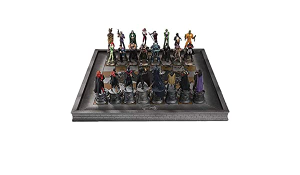 32 Piece Batman Chess Set-Special Edition