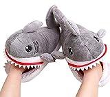 JDL Winter Baumwolle Pantoffeln Plüsch Wärme Weiche Hausschuhe mit Hai Cartoon Leicht Rutschfeste Slippers für Herren Damen, 10 m