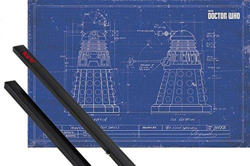 Poster + Sospensione : Doctor Who Poster Stampa (91x61 cm) Dalek Cianografia E Coppia Di Barre Porta Poster Nere 1art1®