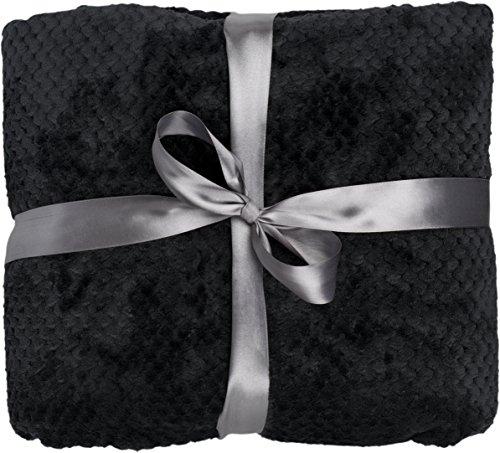 daydream-luxerise-Kuscheldecke-aus-Flanell-150-x-200-cm-schwarz-K-1004