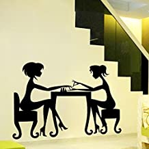 Pegatina de pared adhesivo salon de belleza chicas pintandose las uñas