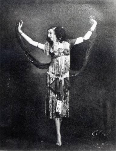 Holzbild 90 x 120 cm: Ida Rubinstein in the role of Salome von French Photographer / Bridgeman Images (Ballet Russe Kostüme)