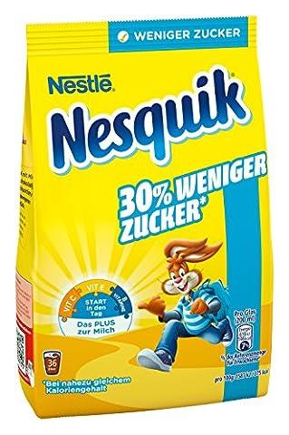 Nestlé Nesquik (Kakaohaltiges Getränkepulver, Extra Schokoladig, 30% weniger Zucker bei nahezu gleichem Kaloriengehalt pro Glas, Mit Vitaminen, Laut Gesetz ohne künstliche Aromen) Nachfüllbeutel