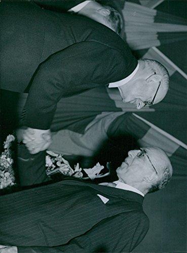 vintage-photo-of-hellman-courting-the-tidningsutgivarforenings-50th-anniversary