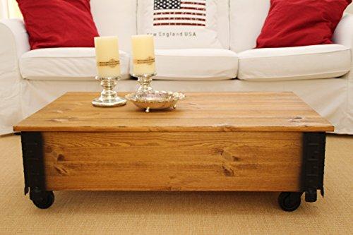 Uncle Joe´s Couchtisch hell Truhentisch Truhe im Vintage shabby chic Style aus Massiv-Holz in braun mit Stauraum und Deckel Holzkiste Beistelltisch Landhaus Wohnzimmertisch Holztisch nussbaum