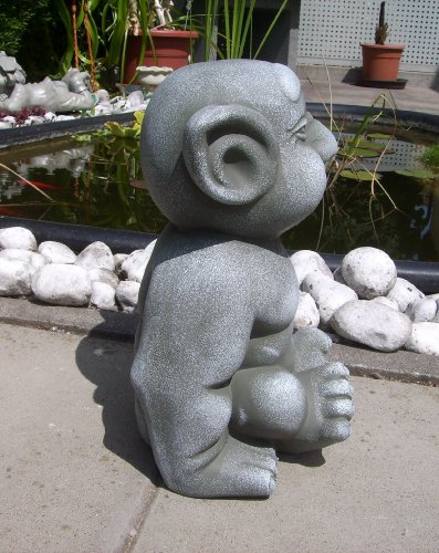 Troll-Gnome-Garden-Ornament-In-Stunning-Big-Finger-In-Ear-Design