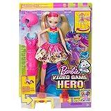 Toy - Mattel Barbie DTW17 - Die Videospiel-Heldin Rollschuh-Fahrerin Puppe