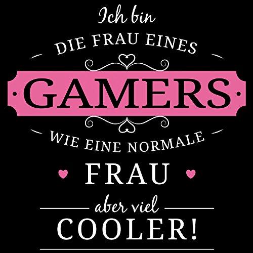 Fashionalarm Damen T-Shirt - Frau eines Gamers | Fun Shirt mit Spruch lustige Geschenk Idee verheiratete Paare Ehefrau Computer Spieler Zocken Schwarz