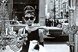 Audrey Hepburn - Tiffanys Window Maxi-Poster der Grösse 61 x 91,5 cm