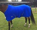 Cwell Equine - Tappeto da viaggio in pile per cavallo con pettine