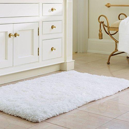 Norcho Weiche Mikrofaser Badematte, Rutschfeste Badevorlege Teppiche für Wohnzimmer & Schlafzimmer, Flauschig Waschbar, 50x80cm, Weiß