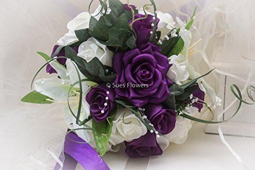 bridesmaid-bouquet-in-cadburys-purple