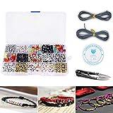 Langtor 1100 Pcs 15 Couleur Acrylique Alphabet Lettre A-Z Cube Perles avec 1 Coupe-Fil 2 Cordon Noir et 1 Fil De Soie pour la Fabrication de Bijoux Enfants DIY Collier Bracelet