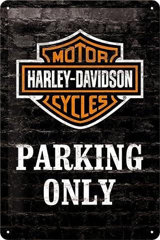 Harley-Davidson Motocycles Parkin Only Badge Logo sur noir brique mur.
