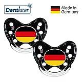 Dentistar® Silikon Schnuller 2er Set inkl. 2 Schutzkappen - Nuckel Größe 3, ab 14 Monate – Fahnen Fan Kollektion – Deutschland, schwarz
