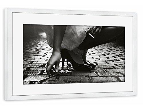 """Preisvergleich Produktbild artboxONE Poster mit Rahmen 30x20 cm Motiv """"Monday"""" schwarzweiß Gerahmtes Poster weiß - Wandbild Motiv Kunstdruck von Claudia Hantschel"""