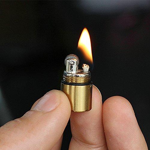 Das kleinste Kerosin-Feuerzeug der Welt Höhe: 2,5cm, Φ 1,3cm. Kapsel-Feuerzeug, tragbar, aus Metall, Miniatur, Alltagsgegenstand, wasserdicht (Kraftstoff nicht im Lieferumfang enthalten), The Smallest Gold