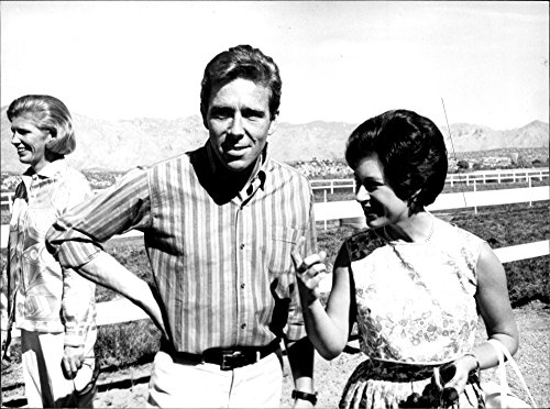 vintage-photo-of-princess-margaret-and-lord-snowdon-visit-mr-lewis-douglas-ranch-in-arizona