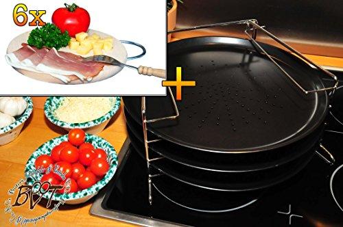 drei runde Pizzableche TRADITIONELL und 4 stufiger Edelstahl-Pizzablechhalter, Blechboden gelocht, ca. 33 cm x 1 mm & 6 Stück Hochwertiges, dickes ca. 16 mm Buche - SPÜLMASCHINENFEST '*' -Grill-Holzbrett natur mit Metallhenkel, Maße rund ca. 25 cm Durchmesser als Bruschetta-Servierbrett, Brotzeitbrett, Bayerisches Brotzeitbrettl, NEU Massive Schneidebretter, Frühstücksbretter,