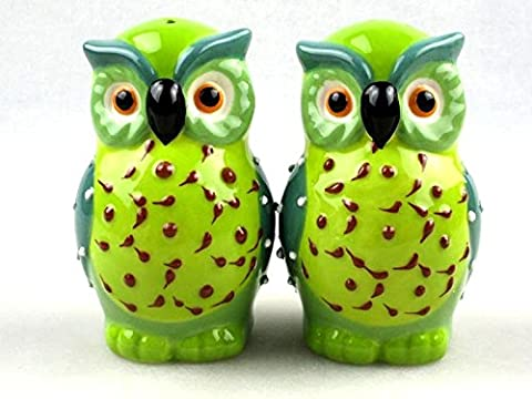 Novelty Ceramic Owls Salt and Pepper Shakers