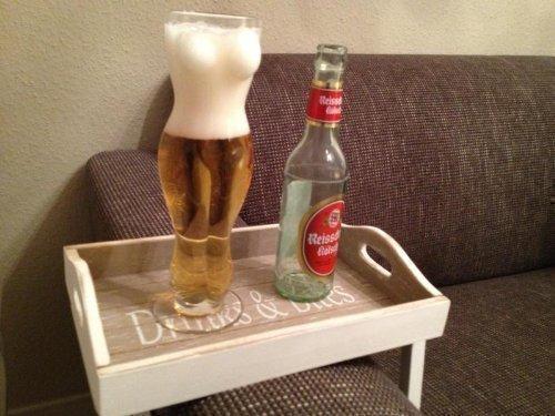 0,5 Liter Bierglas Weizenglas Bier Weizen Frauen Frau Frauenkörper Trinklglas .