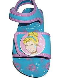 Zapatillas de Princesas Disney, con velcro por delante y por la parte de atrás.