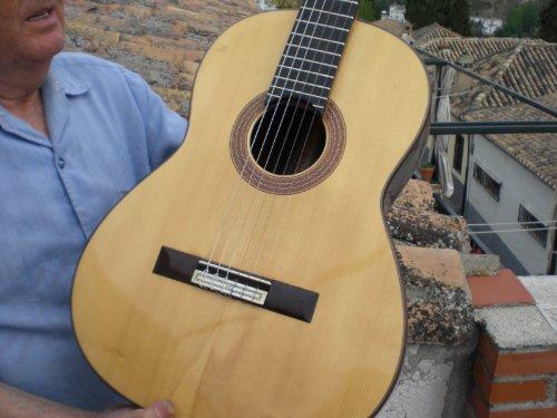 Preisvergleich Produktbild Gitarre Modell Millennium Indien German Perez Barranco. Handgefertigt in Granada
