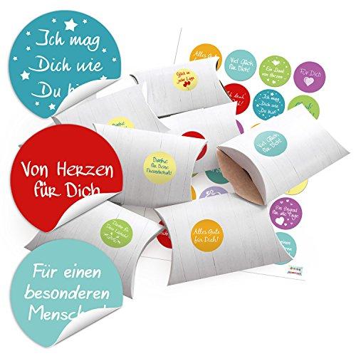 24-kleine-geschenkboxen-holz-optik-weiss-mit-bunten-aufklebern-lustige-spruche-oe-4-cm-zum-selber-ba