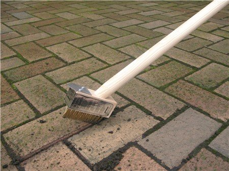 metal-bristle-weed-brush-with-metal-scraper-wooden-handle-gap-cleaning