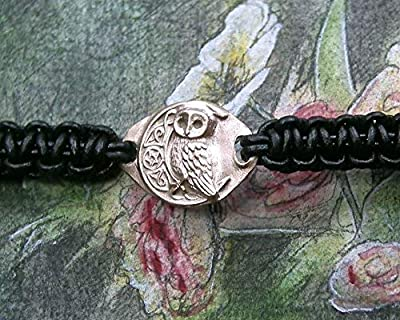 Bracelet unisexe ajustable, bijou celtique/wicca/viking/breton, chouette/hibou, lune et pentagramme en bronze couleur or ou coul.argent ou en cuivre +macramé cuir noir.