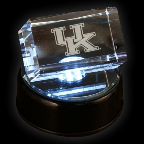 Kentucky Wildcats Prismatic Light Up 2x3'' Logo Crystal Cube w/Base - Gamecube Accessori